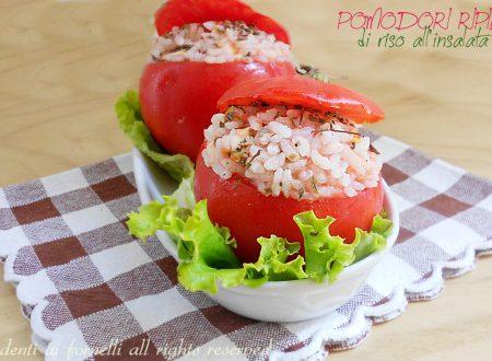 Pomodori ripieni di riso all'insalata