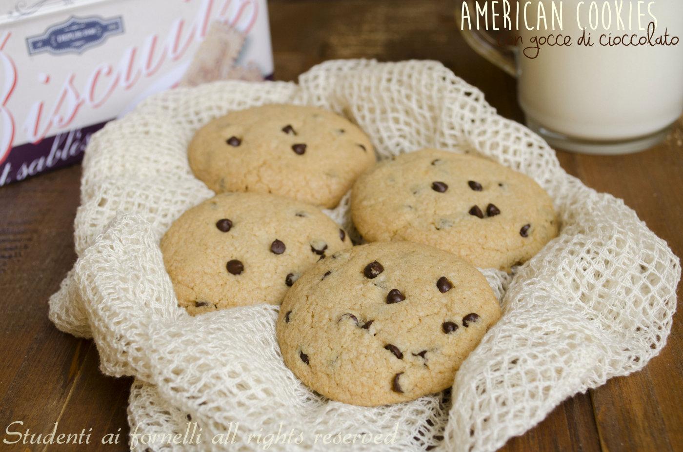 american cookies con gocce di cioccolato ricetta biscotti facili e golosi