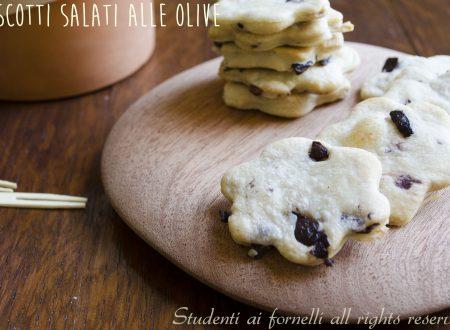 Biscotti alle olive nere