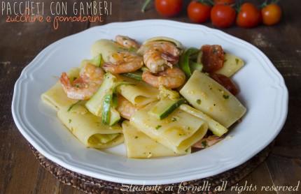 paccheri con gamberi zucchine e pomodorini ricetta primo gustoso pesce