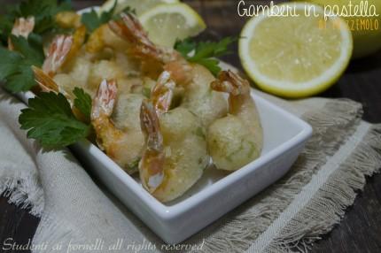 Cenone di Capodanno ricette facili a base di pesce gamberi in pastella al prezzemolo ricetta frittelle gustose per antipasto finger food