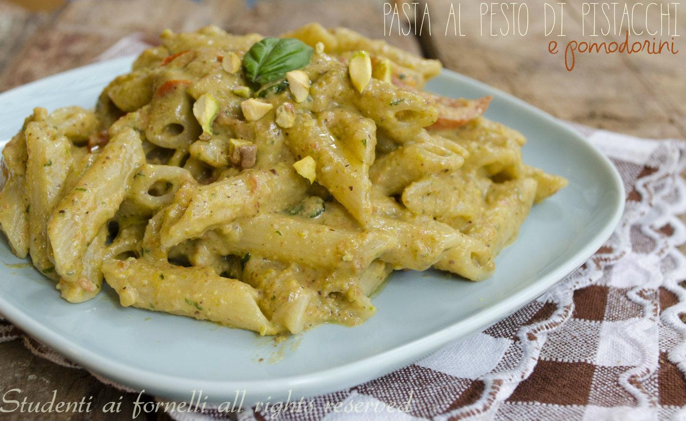 pasta al pesto di pistacchi e pomodorini ricetta primo gustoso