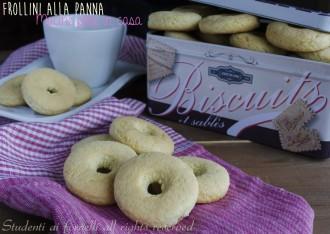 frollini alla panna macine fatte in casa ricetta biscotti alla panna friabili colazione e merenda
