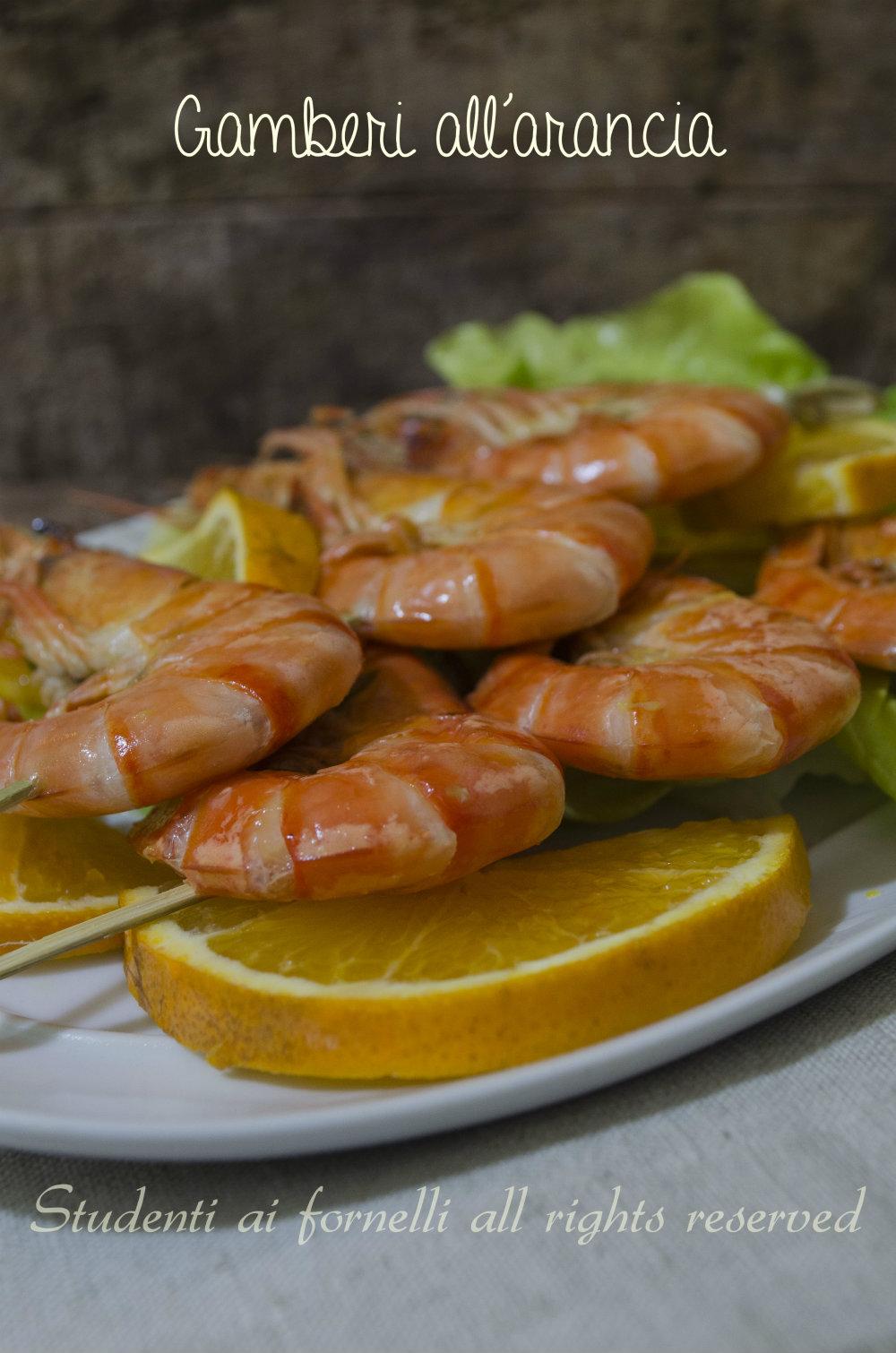 gamberi all'arancia in padella marinati su spiedini di gamberi facili