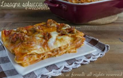 lasagne salsiccia e mozzarella al ragù con besciamella ricetta lasagna gustosa