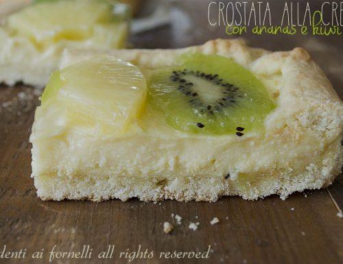 Crostata alla crema pasticcera con kiwi e ananas