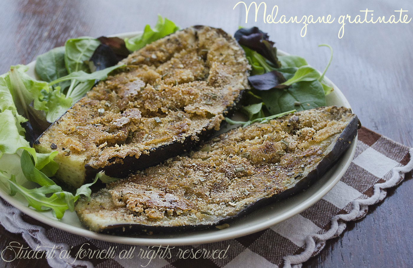 melanzane gratinate in padella light con erbe aromatiche e pangrattato ricetta vegetariana