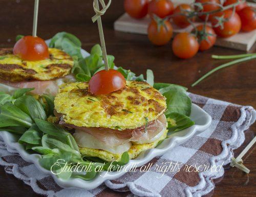 Sandwich di frittata con prosciutto e provola
