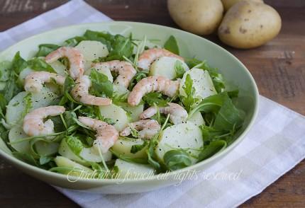 Insalata con gamberi e patate lesse con rucola ricetta insalata fredda estiva