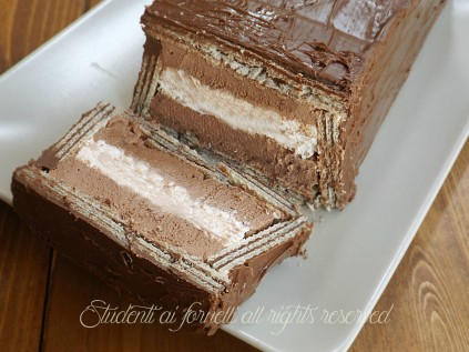 ricetta-semifreddo-ai-wafer-con-panna-e-cioccolato-ricetta-dolce-fresco-estivo-senza-cottura