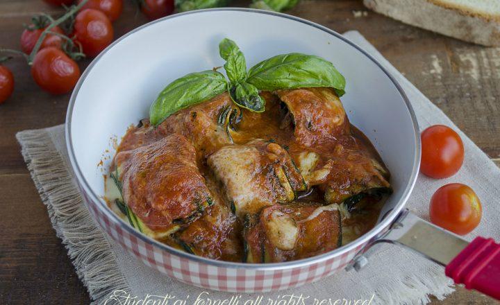 Involtini di zucchine con sugo e mozzarella