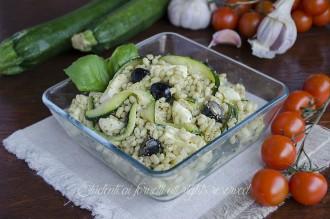 ricetta orzo freddo al pesto con zucchine e mozzarella ricetta primo freddo estivo vegetariano ricetta