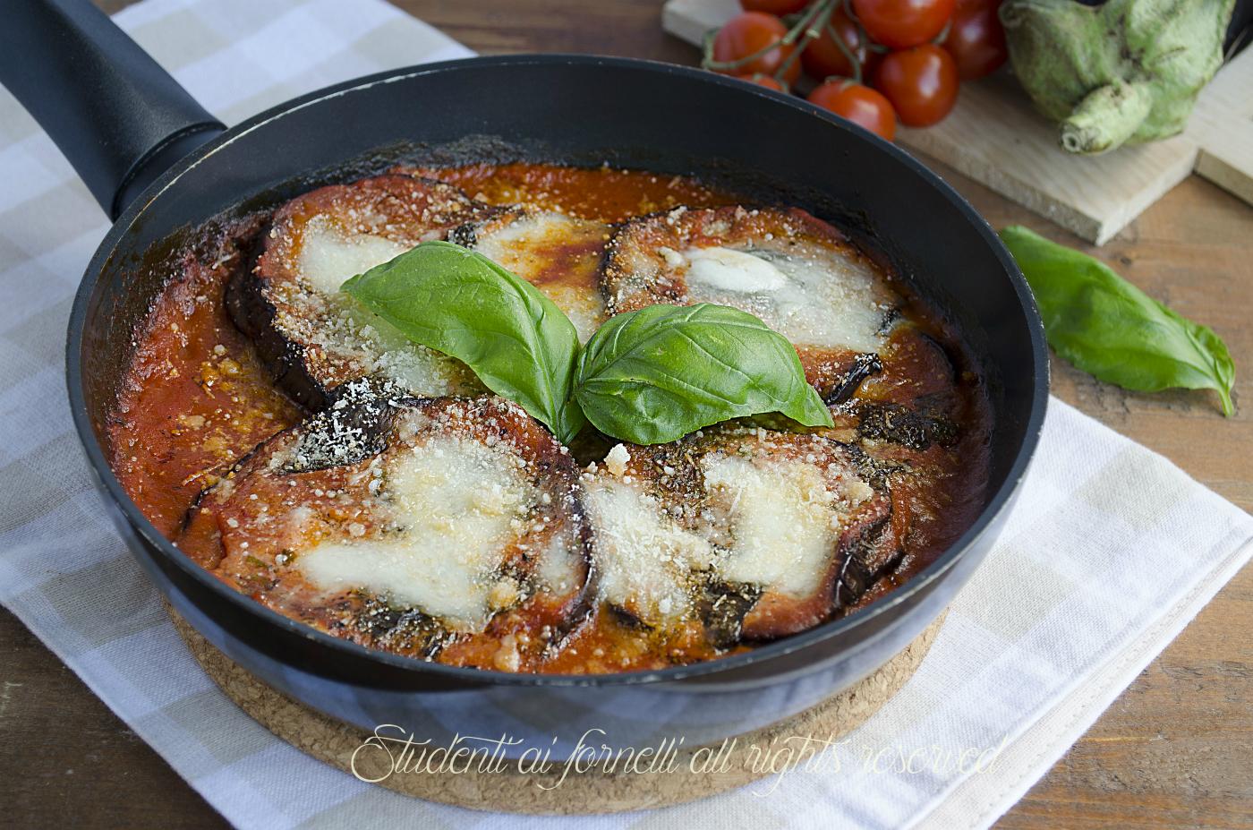 Parmigiana di melanzane in padella veloce leggera e gustosa for Cucinare zucchine in padella