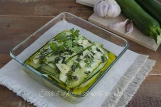 ricetta carpaccio di zucchine crude alle erbe aromatiche ricetta antipasto contorno senza cottura