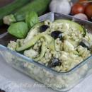 Orzo freddo al pesto con zucchine e mozzarella