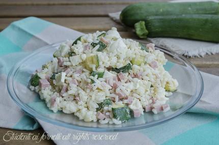 insalata di riso zucchine e prosciutto cotto con mozzarella ricetta riso freddo primo estivo