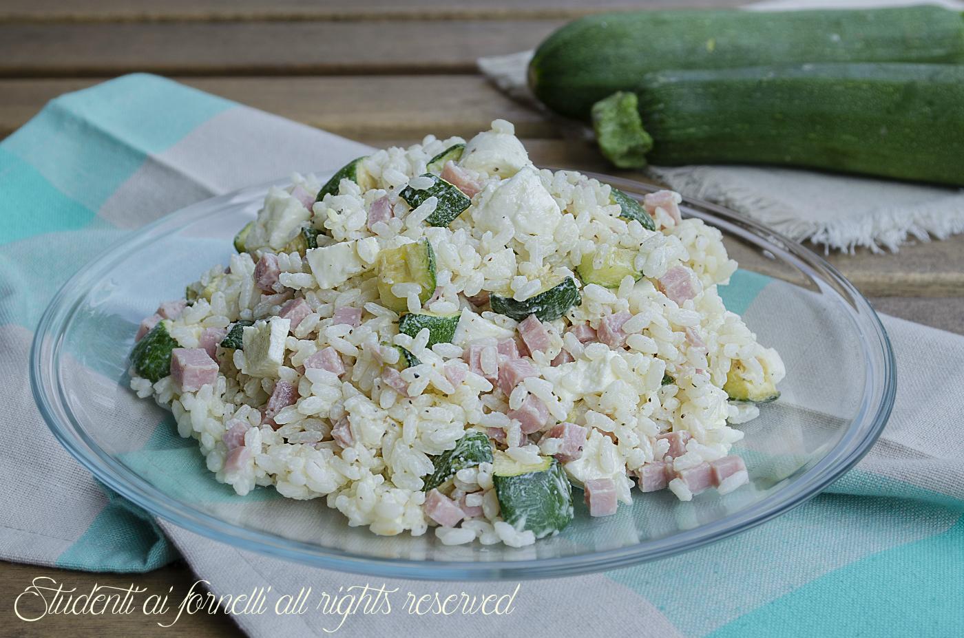 Très Insalata di riso zucchine prosciutto cotto e mozzarella, ricetta IW83