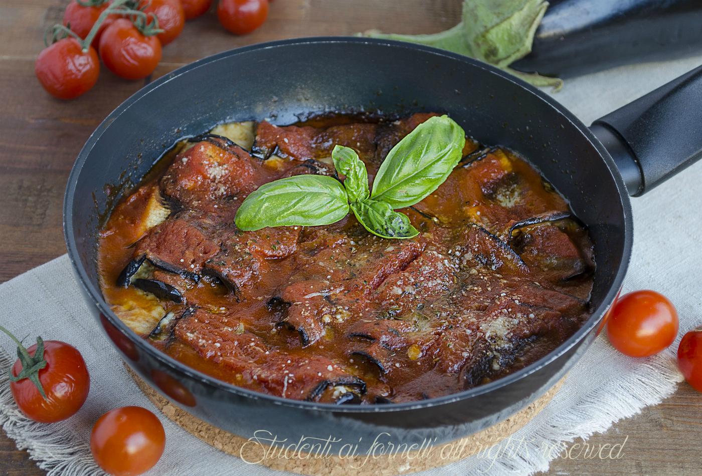 Involtini di melanzane alla parmigiana pomodoro e provola for Melanzane ricette