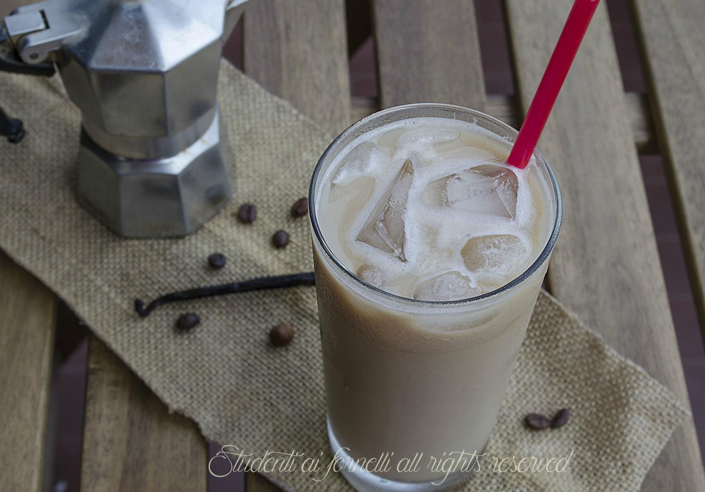 caffè ghiacciato vaniglia e cioccolato ricetta bevanda fredda al caffè