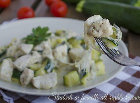 Bocconcini di pollo con zucchine e provola