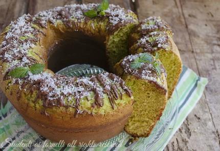 Ciambella cocco menta e nutella · ciambellone menta cocco e nutella ricetta  torta soffice facile e golosa