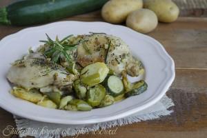 Pollo rosolato con patate zucchine e peperoni