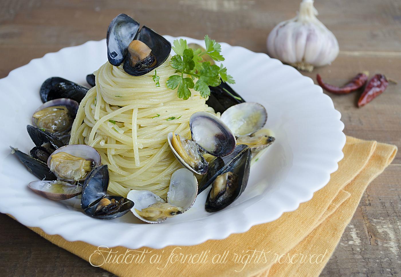 spaghetti cozze e vongole facili e veloci ricetta primo di pesce