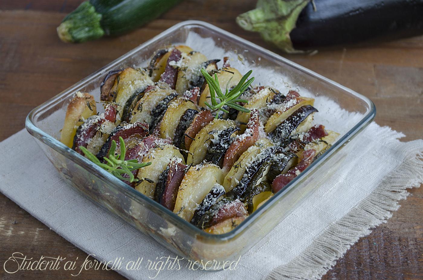 ricetta teglia di verdure al parmigiano e prosciutto al forno ricetta melanzane zucchine patate prosciutto
