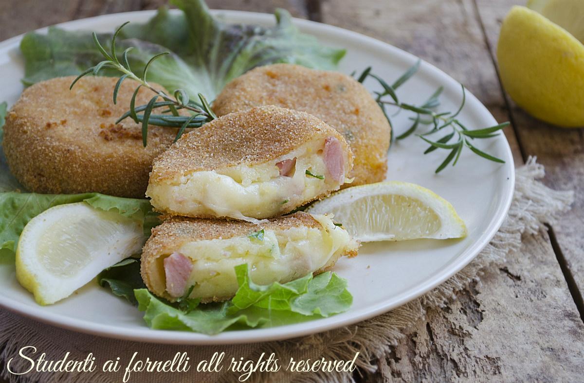 medaglioni di patate prosciutto e formaggio fritti o al forno ricetta hamburger veloci secondo
