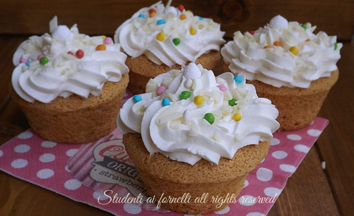 Cupcakes al cioccolato bianco e vaniglia