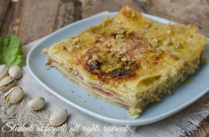 lasagne ai pistacchi e speck con formaggio e provola ricetta primo con pesto di pistacchi