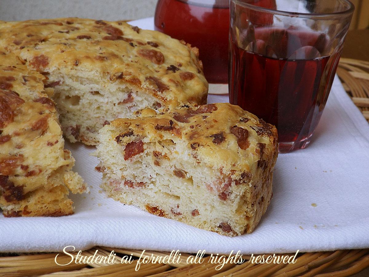 ricetta focaccia rustica di patate con affettati e formaggi ricetta focaccia soffice copy