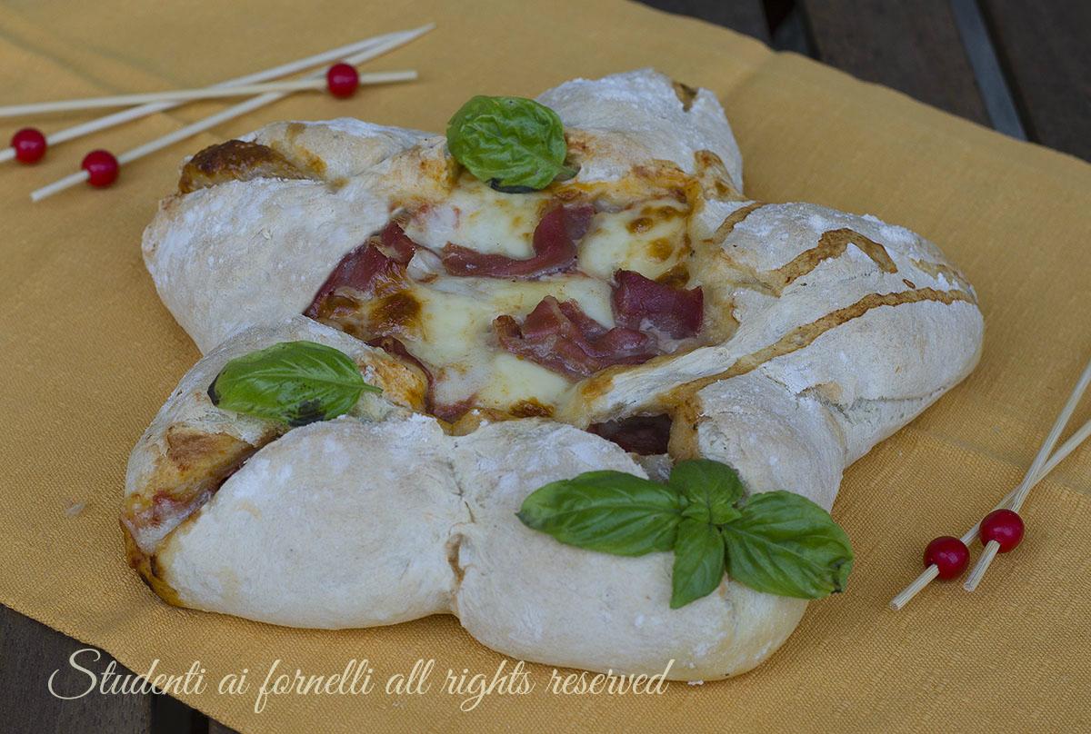 Ricetta focaccia fredda con caprese di pomodori e mozzarella di bufala 7288551eedc