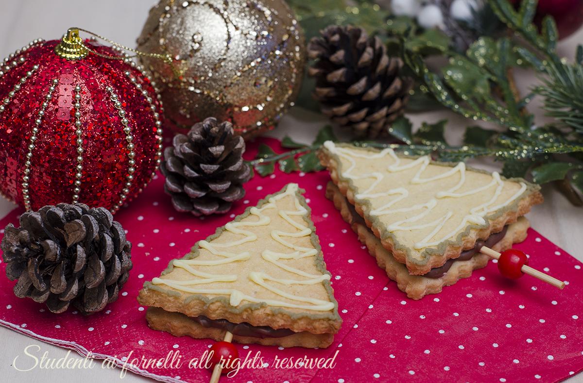 Biscotti albero di natale alla nutella su stecco ricetta merenda bambini facile veloce golosa