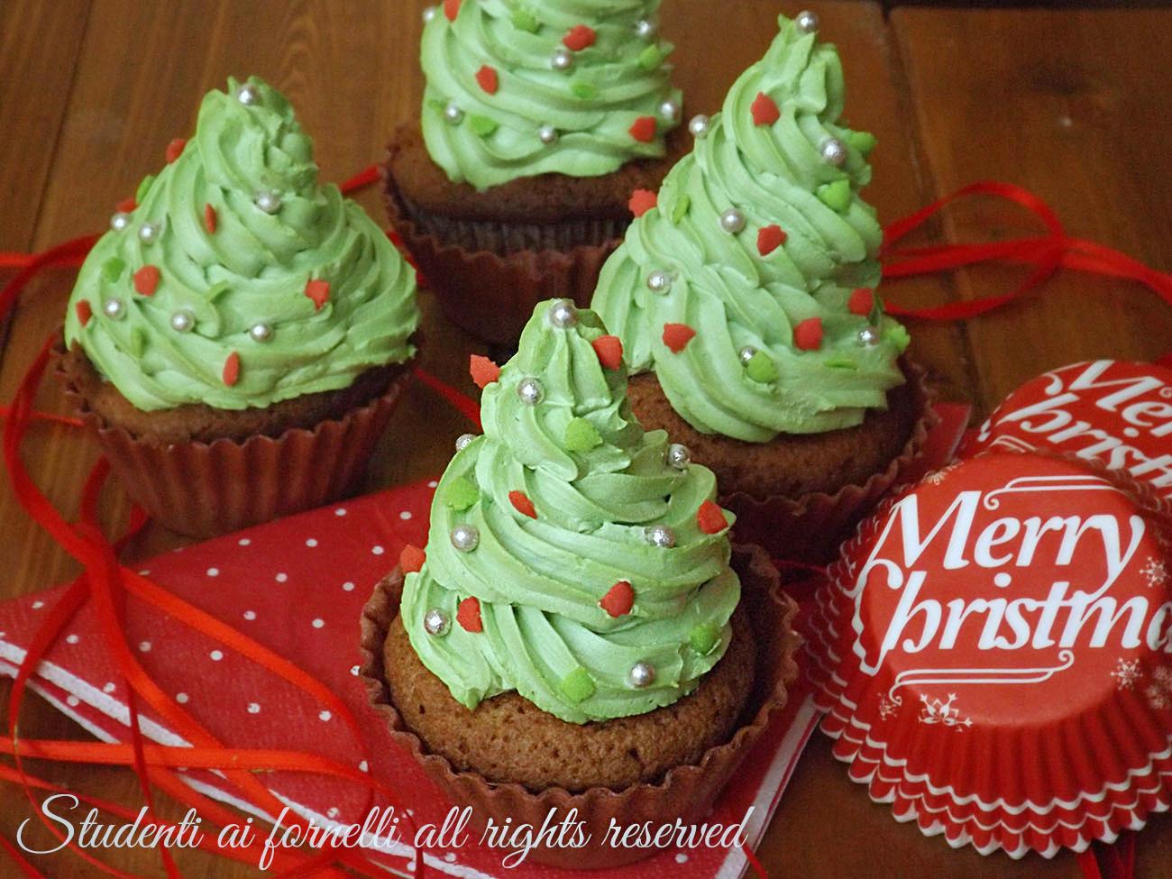 Cupcakes alberelli di Natale al cioccolato