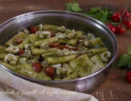 Paccheri con seppioline pesto e pomodorini
