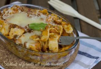 primo tagliatelle al forno al ragù pasticciate ricetta tagliatelle fresche timballo