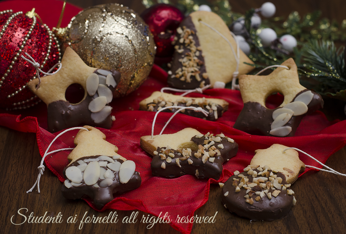 Biscotti Di Natale X Bambini.Biscotti Di Natale Da Appendere All Albero Ricetta Natalizia