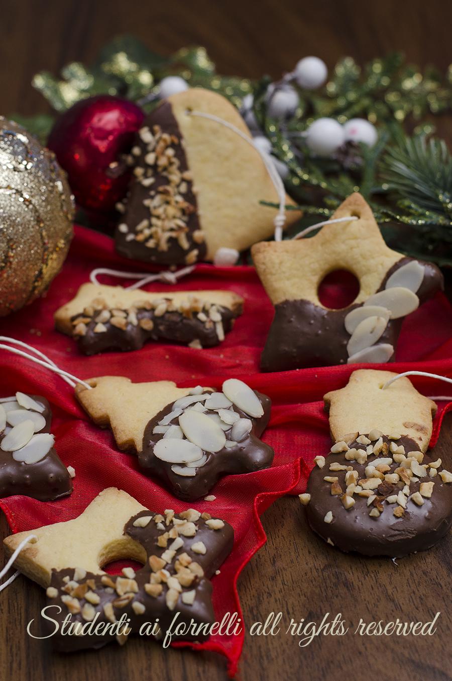 Biscotti Di Natale Ricette Giallo Zafferano.Biscotti Di Natale Da Appendere All Albero