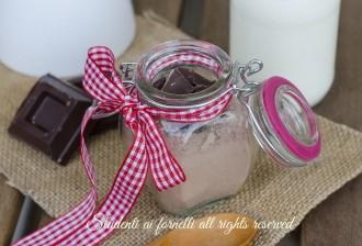 ricetta come fare preparato cioccolata calda in tazza ricetta facile e veloce con cacao e cioccolato