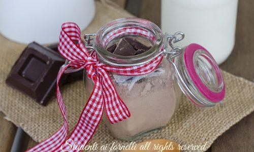 Preparato cioccolata calda in tazza