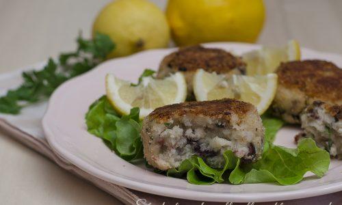 Polpette di merluzzo con patate e olive