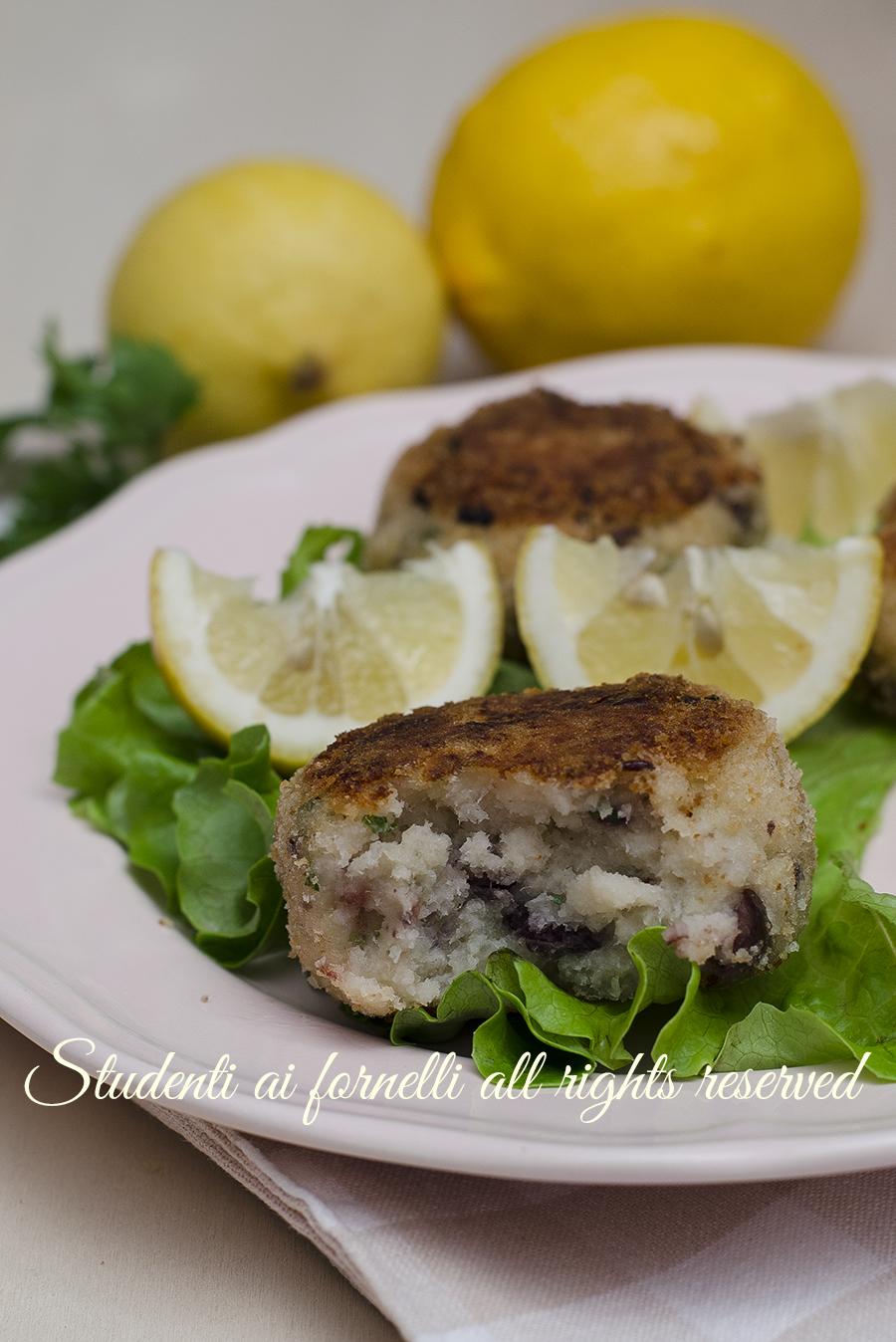 ricetta polpette di merluzzo con patate e olive ricetta crocchette di pesce facili e veloci