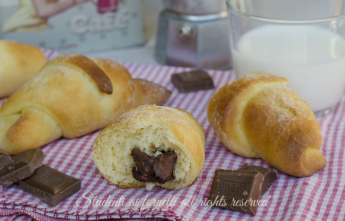cornetti al mascarpone e cioccolato ricetta brioche soffici colazione merenda