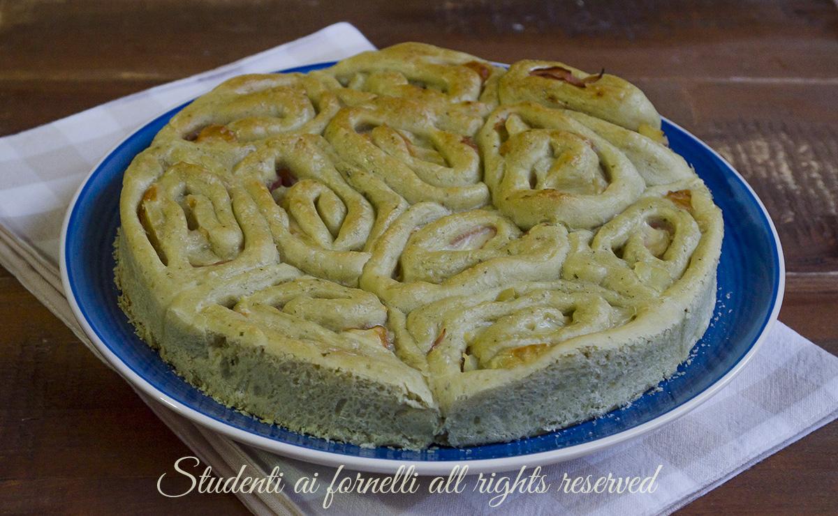 torta di rose al pesto con patate prosciutto e provola ricetta sfiziosa