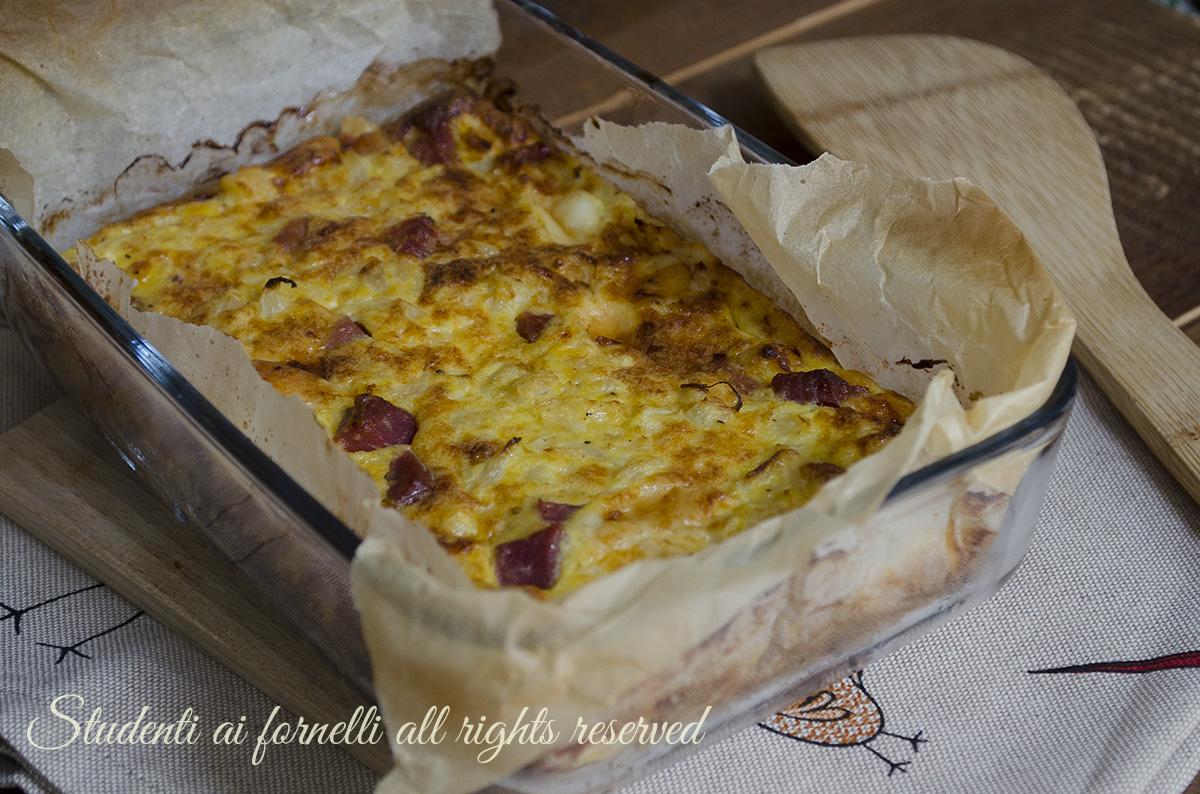 ricetta frittata di cavolfiori e prosciutto crudo al forno con formaggio ricetta facile veloce