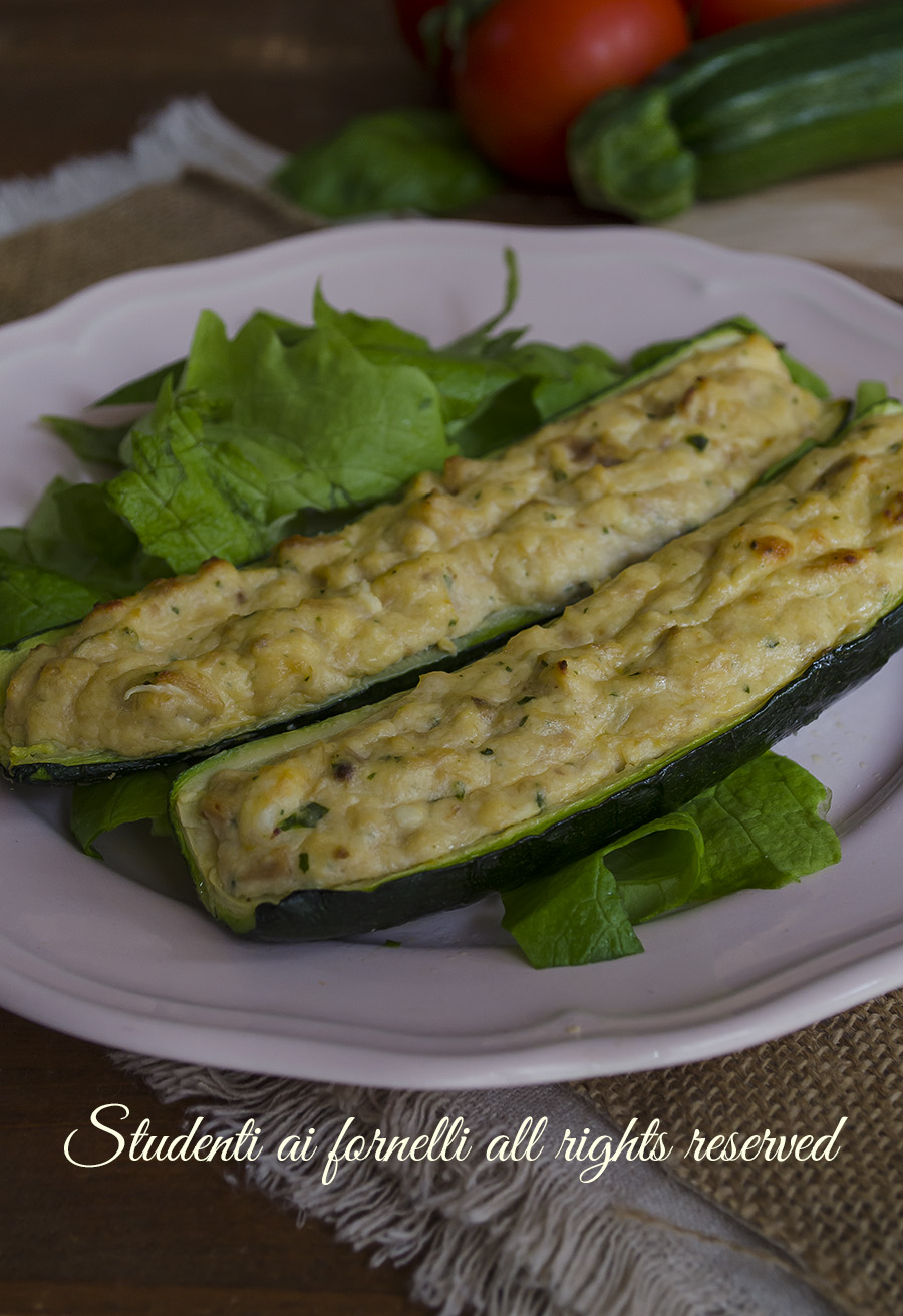 zucchine ripiene tonno e ricotta ricetta secondo piatto leggero gustoso facile al forno o padella