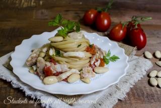 ricetta linguine al sugo fresco di orata mandorle e pomodorini ricetta primo pesce facile veloce