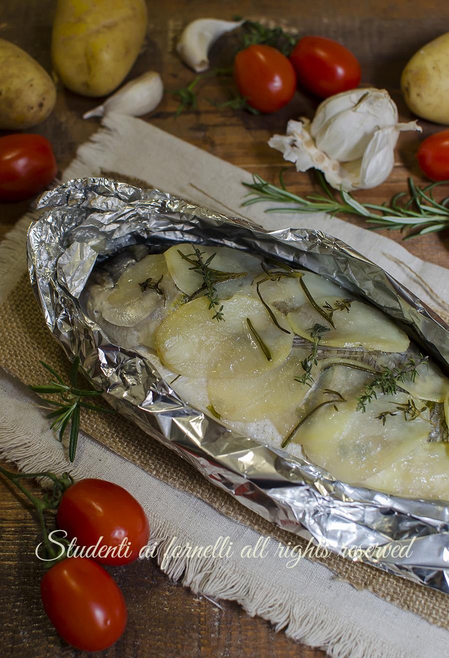 ricetta orata in crosta di patate al cartoccio al forno ricette pesce secondo piatto facile veloce