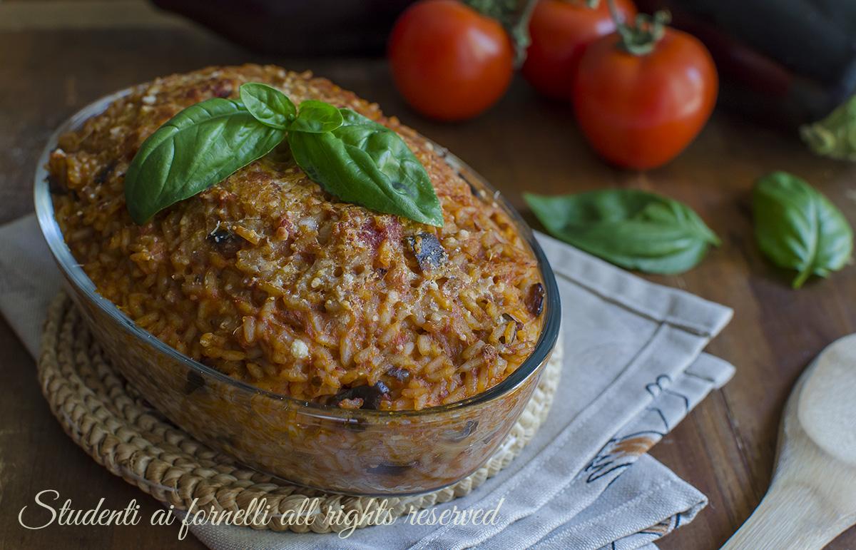 riso al forno melanzane e scamorza al pomodoro ricetta primo piatto facile gustoso per gite pic nic